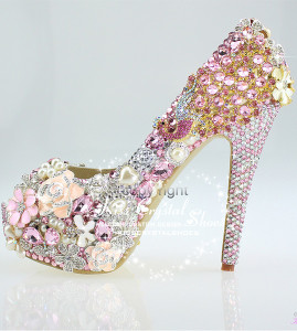 Pink wedding pumps for wedding bridal